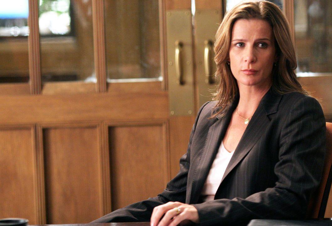 Macht eine schockierende Entdeckung: Sarah (Rachel Griffiths) ... - Bildquelle: Disney - ABC International Television