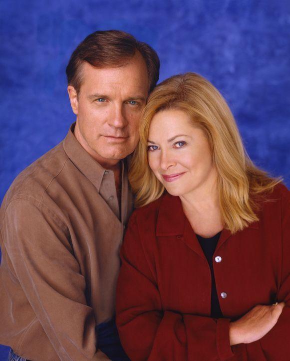 (7. Staffel) - Mit ihren Kindern haben es Eric (Stephen Collins, l.) und Annie (Catherine Hicks, r.) nicht immer leicht ... - Bildquelle: The WB Television Network