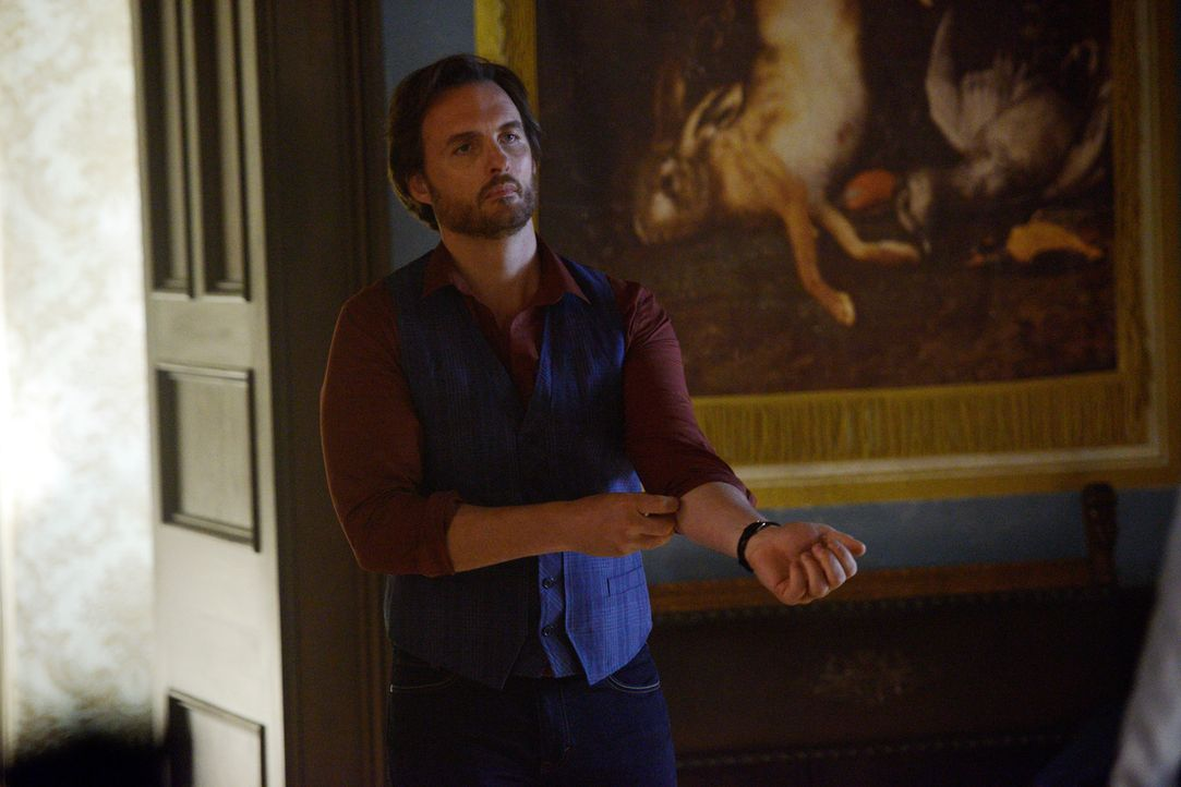 Die Probleme werden immer größer, denn mittlerweile trauen sich Jeremys (Greg Bryk) Feinde schon in sein Haus ... - Bildquelle: 2014 She-Wolf Season 1 Productions Inc.