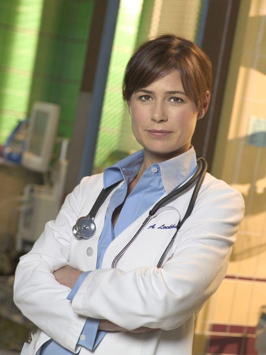 (12. Staffel) - Immer im Einsatz um Leben zu retten: Abby Lockhart (Maura Tierney) ... - Bildquelle: Warner Bros. Television