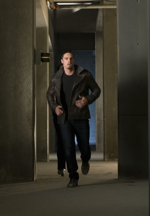 Versucht, Sam Landon zu stoppen: Vincent (Jay Ryan) ... - Bildquelle: 2013 The CW Network, LLC. All rights reserved.