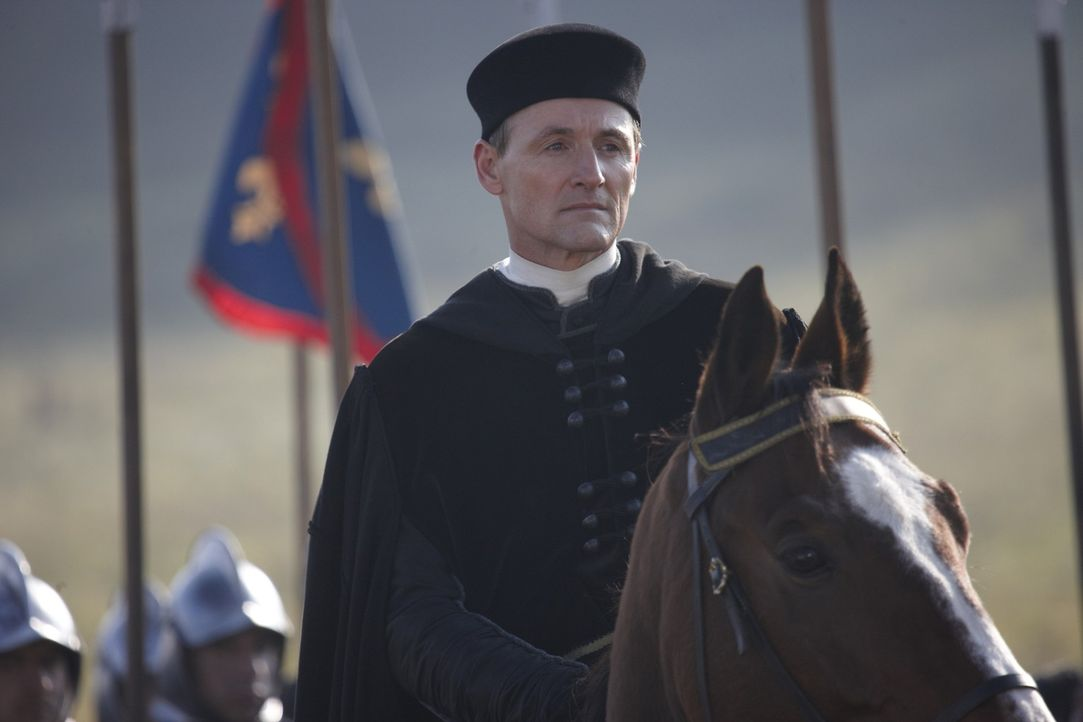 Rechnet nicht mit dem diplomatischen Geschick und dem umwerfenden Charme einer Borgia: Kardinal Della Rovere (Colm Feore) ... - Bildquelle: LB Television Productions Limited/Borgias Productions Inc./Borg Films kft/ An Ireland/Canada/Hungary Co-Production. All Rights Reserved.
