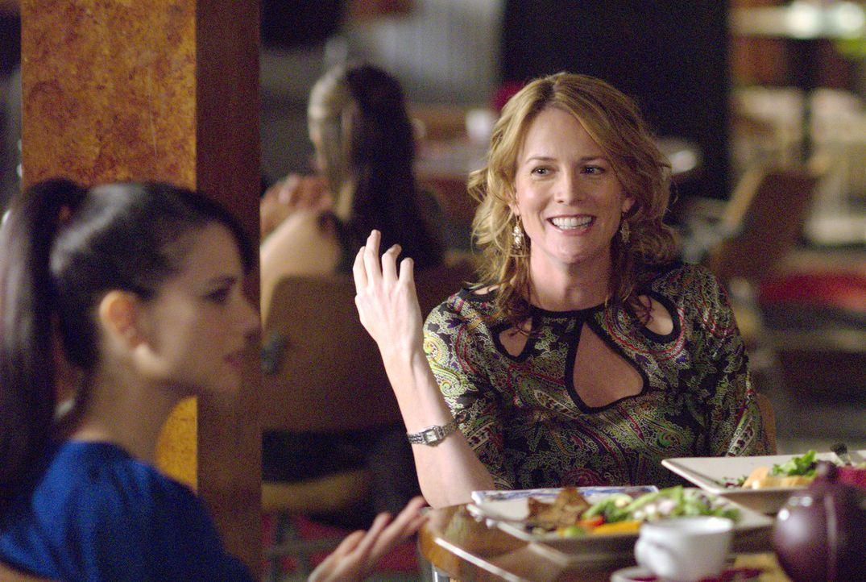 """Tina (Laurel Holloman, r.) kämpft für Jenny (Mia Kirshner, l.) bei """"Lez Girls"""" - doch genau das wird ihr zum Verhängnis... - Bildquelle: Metro-Goldwyn-Mayer Studios Inc. All Rights Reserved."""