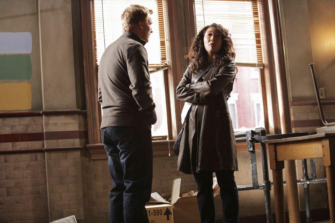 Machen sich auf die Suche nach einer gemeinsamen Wohnung: Cristina (Sandra Oh, r.) und Owen (Kevin McKidd, l.) ... - Bildquelle: ABC Studios
