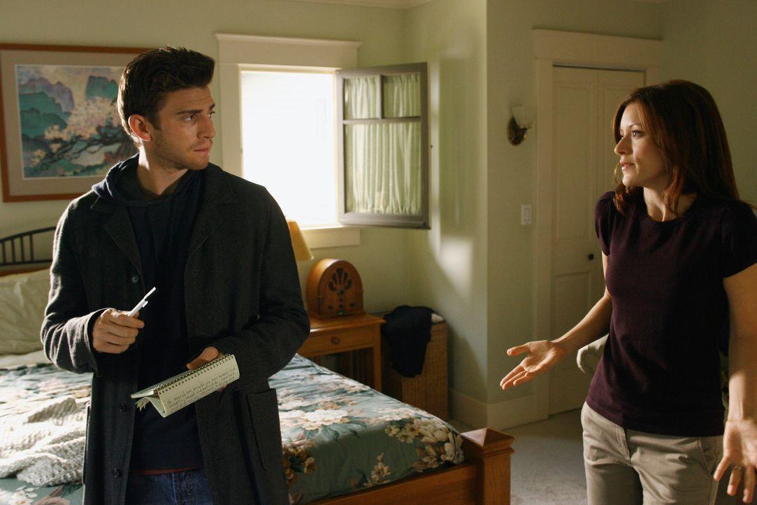 """Bei der """"Untreue-Tour"""" erklärt Alison (Elizabeth Bogush, r.) Nick (Bryan Greenberg, l.) wie es zu ihrer Affäre mit Ikey kommen konnte... - Bildquelle: ABC Studios"""
