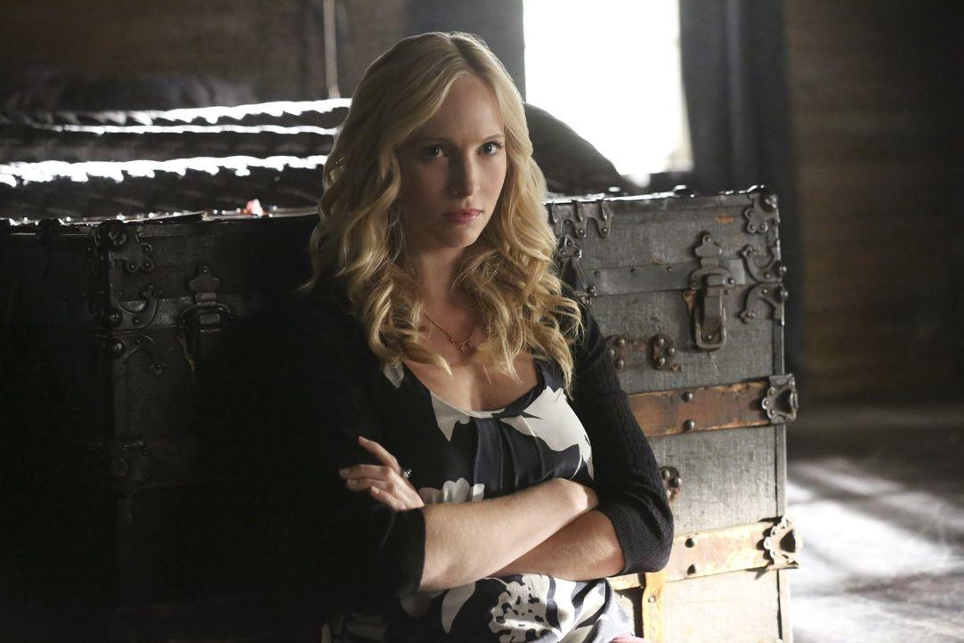 Auch wenn Valerie Caroline (Candice King) einiges über ihr Zusammentreffen mit Stefan erzählt, so behält sie doch ein kleines, entscheidendes Detail... - Bildquelle: Warner Bros. Entertainment, Inc.