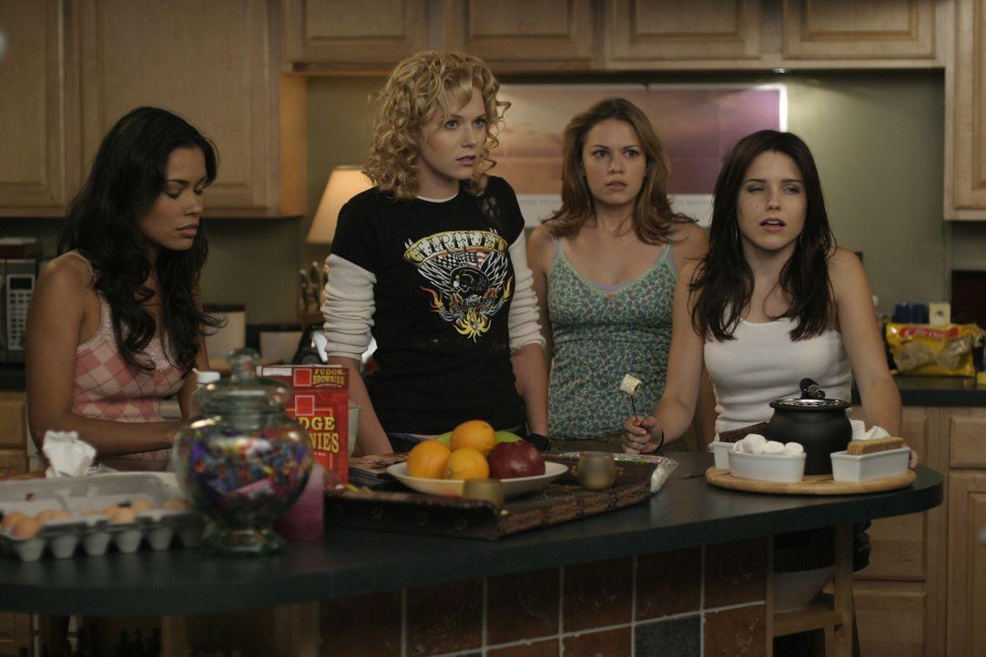 Wenn die Mädchen zusammenkommen, ist das Chaos vorprogrammiert: (v.l.n.r.) Anna (Daniella Alonso), Peyton (Hilarie Burton), Haley (Bethany Joy Gale... - Bildquelle: Warner Bros. Pictures