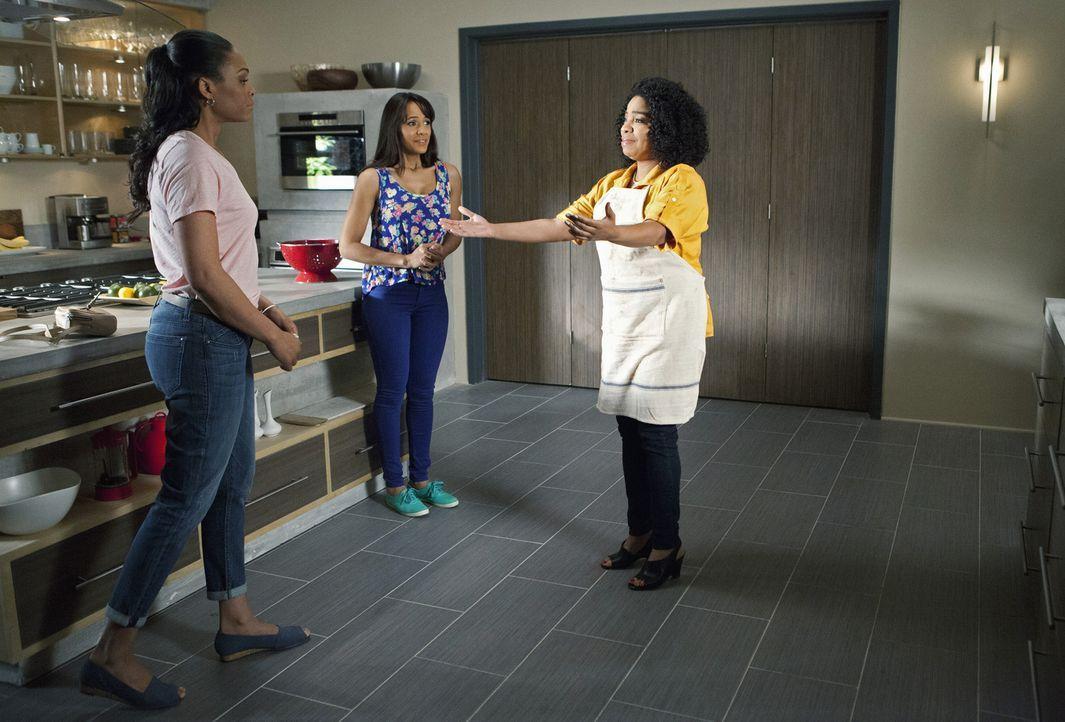 Trifft Rosie (Dania Ramiraz, M.) wirklich die richtige Entscheidung, als sie Lucindas (Kimberly Hebert Gregory, r.) Tochter Natasha (Demetria McKinn... - Bildquelle: 2014 ABC Studios