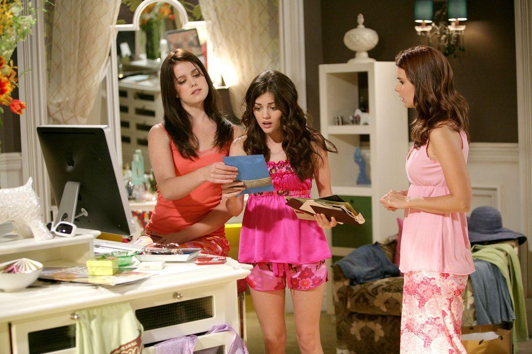 Schon bald wird Megan (Joanna Garcia, r.) klar, dass sich Sage (Ashley Newbrough, l.) und Rose (Lucy Hale, M.) für alles andere interessieren, als f... - Bildquelle: Warner Bros. Television