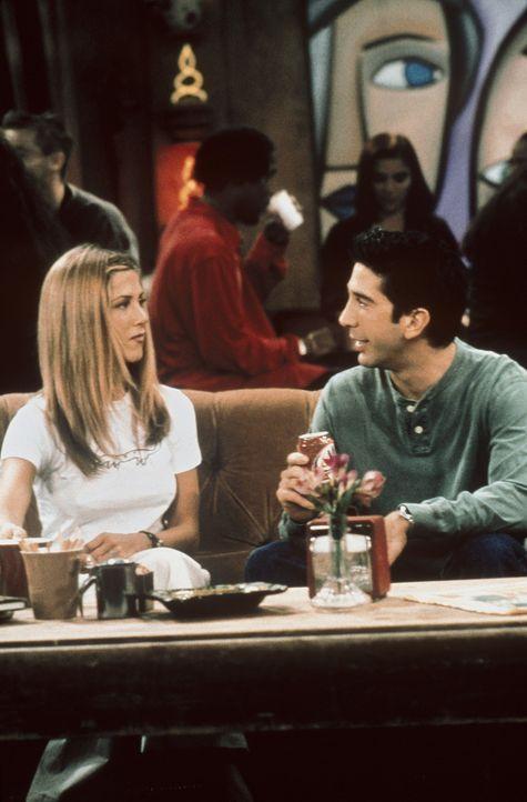 Als Ross (David Schwimmer, r.) und Rachel (Jennifer Aiston, l.) gemeinsam aufwachen und feststellen, dass sie im Vollrausch geheiratet haben, besteh... - Bildquelle: TM+  2000 WARNER BROS.