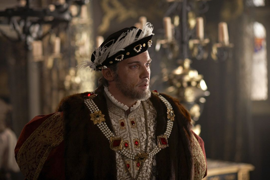 Vor dem Eintritt ins Jenseits begegnen dem Monarchen (Jonathan Rhys Meyers) noch einmal die Geister seiner Ehefrauen ... - Bildquelle: 2010 TM Productions Limited/PA Tudors Inc. An Ireland-Canada Co-Production. All Rights Reserved.