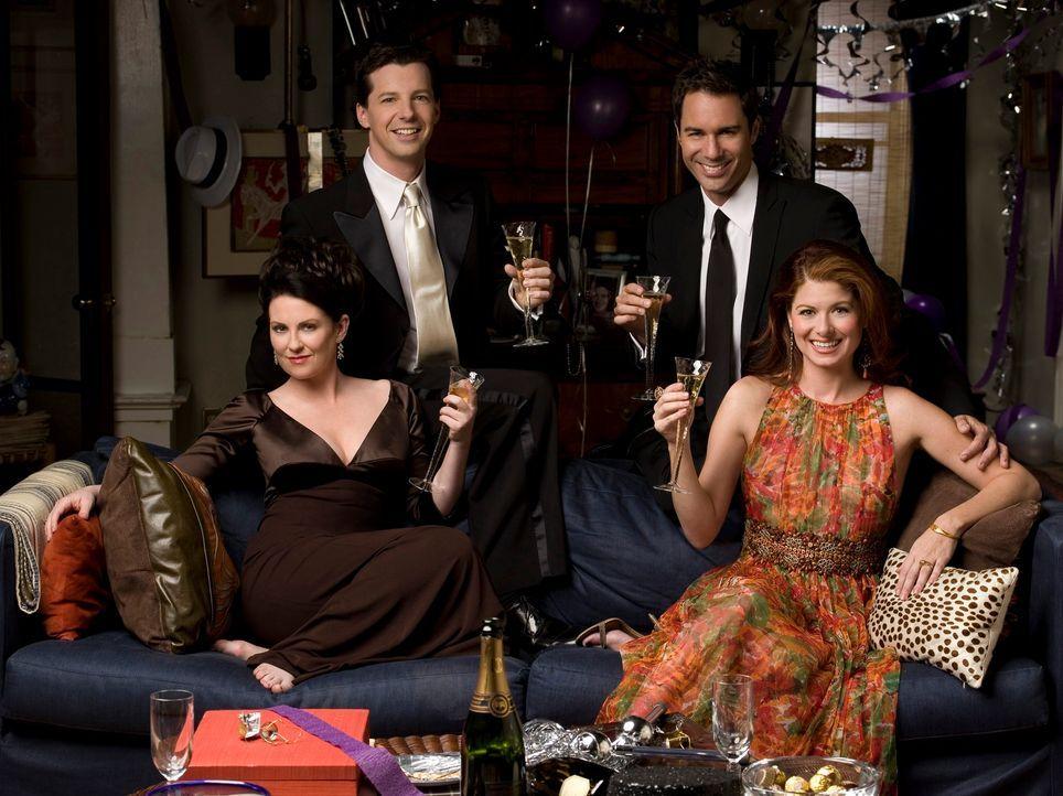 Ein letztes Mal anstoßen - Der Abschied von Will (Eric McCormack, 2.v.r.), Grace (Debra Messing, r.), Jack (Sean Hayes, 2.v.l.) und Karen (Megan Mul... - Bildquelle: NBC Productions