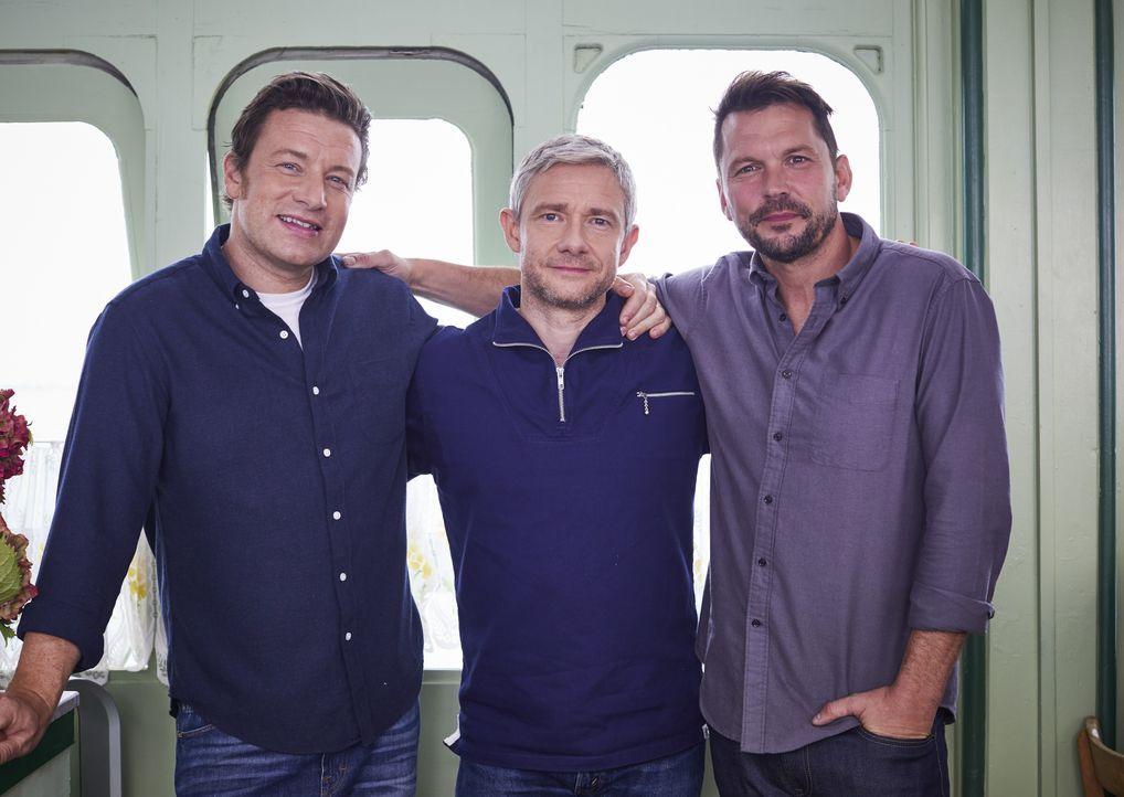 (v.l.n.r.) Jamie Oliver; Martin Freeman; Jimmy Doherty - Bildquelle: Steve Ryan Jamie Oliver Productions, 2018 / Steve Ryan