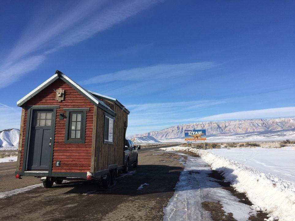 Für ihren Road Trip von Denver nach Portland wollen sich Bridget und Billy ein fahrbares, kleines Häuschen gönnen ... - Bildquelle: 2016, HGTV/Scripps Networks, LLC. All Rights Reserved.