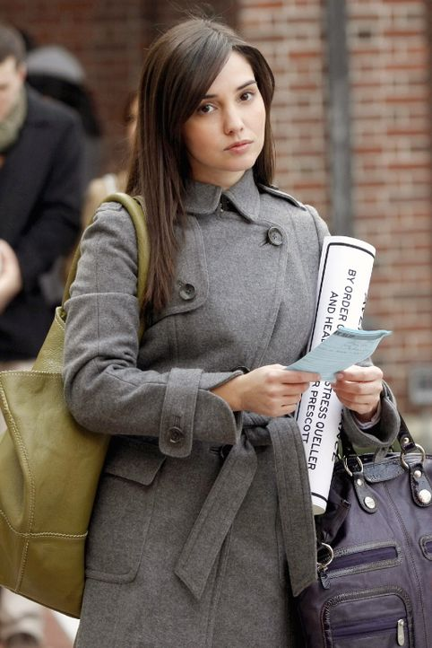 Durch Blair steht ihr Job auf dem Spiel: Miss Carr (Laura Breckenridge) ... - Bildquelle: Warner Brothers