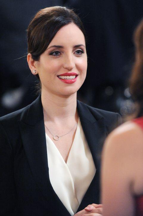 Wird die Abgeordnete Fawn Mascato (Zoe Lister Jones) dem Charme von Schmidt verfallen? - Bildquelle: 2015 Twentieth Century Fox Film Corporation. All rights reserved.