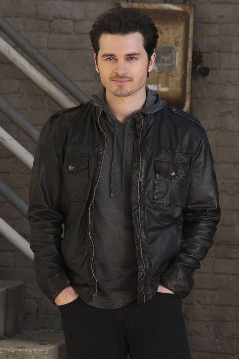 Um seine Pläne durchzusetzen, schreckt Enzo (Michael Malarkey) vor überhaupt nichts zurück ... - Bildquelle: Warner Bros. Entertainment, Inc