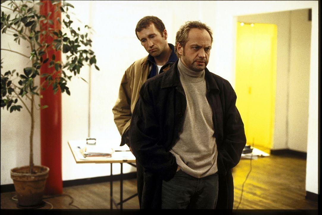 Hajo (Uwe Ochsenknecht, r.) und Alex (Peter Lohmeyer) wissen nicht weiter ... - Bildquelle: T. Landgräber ProSieben