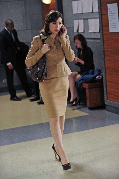 Alicia (Julianna Margulies) übernimmt einen äußerst kniffligen Fall von Will, der zurzeit seinen Beruf nicht ausführen darf. - Bildquelle: 2011 CBS Broadcasting Inc. All Rights Reserved.