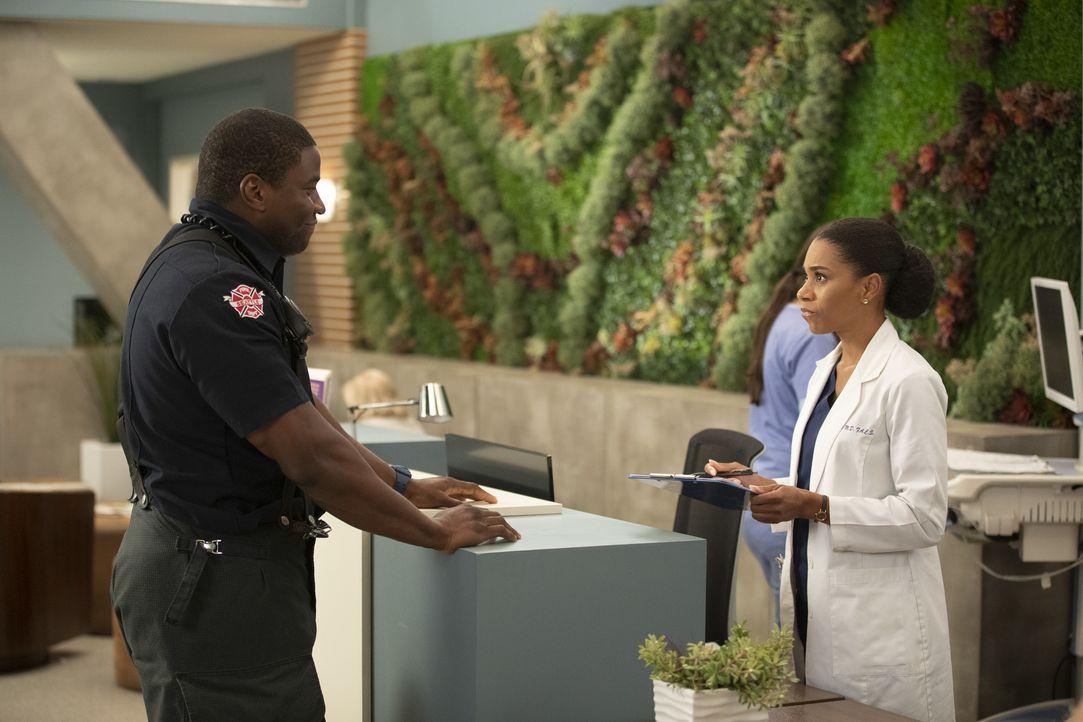 Dean Miller (Okieriete Onaodowan, l.); Dr. Maggie Pierce (Kelly McCreary, r.) - Bildquelle: Rick Rowell ABC Studios / Rick Rowell