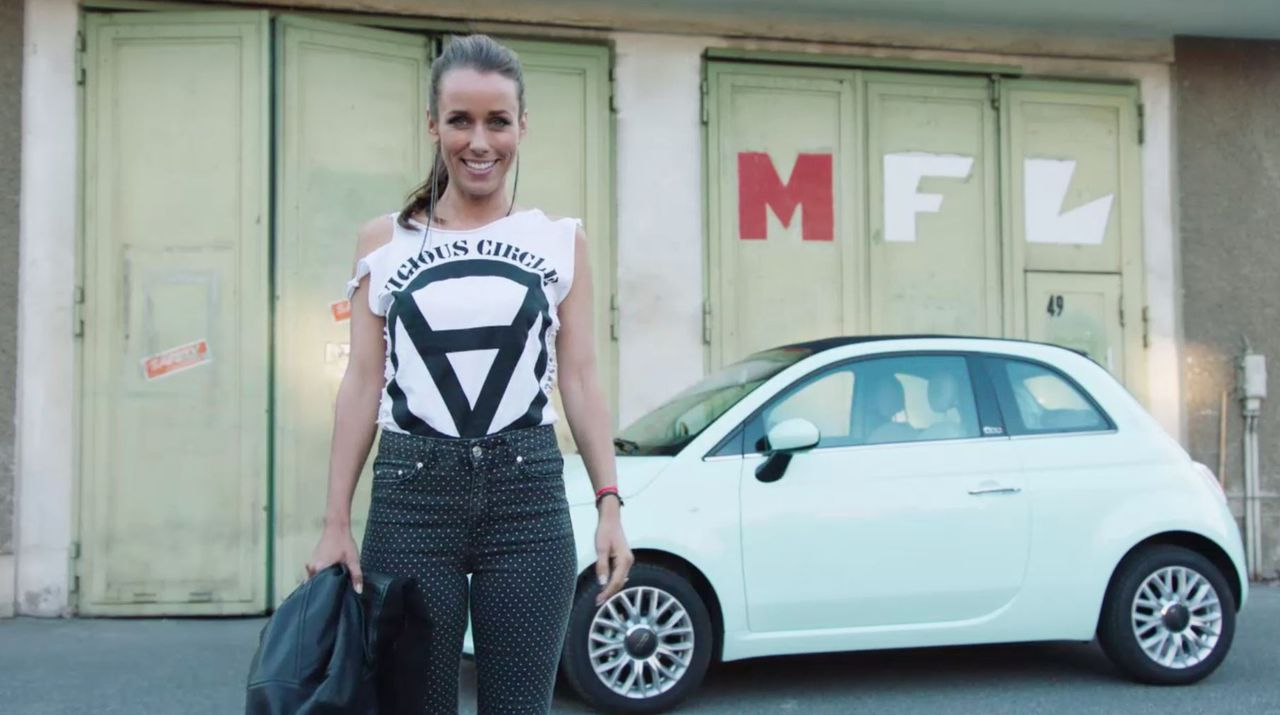 Immer auf der Suche nach neuen Geschichten: Annemarie Carpendale reist mit dem Fiat 500 durch die Republik ... - Bildquelle: Sixx