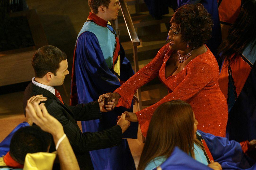 Eine tolle Vision: Während ein Gospel-Chor singt, schmeißen sich Patti (Loretta Devine, r.) und Eli (Jonny Lee Miller, l.) auf die Tanzfläche ... - Bildquelle: Disney - ABC International Television