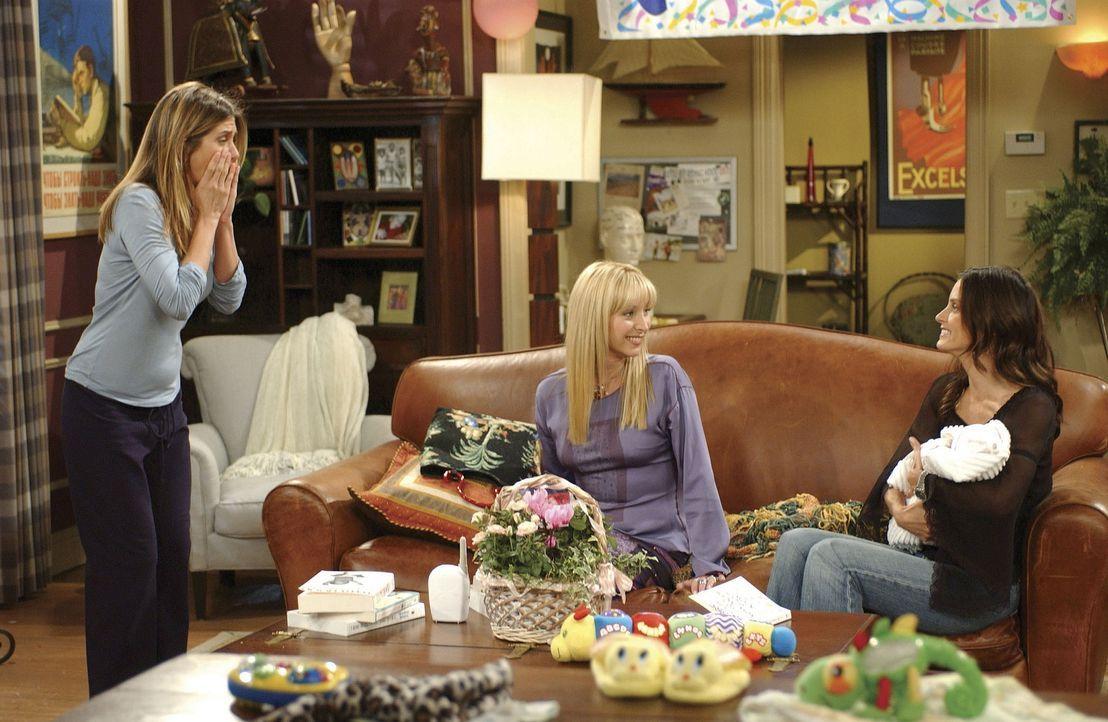 Monica (Courtney Cox, r.) ist die einzige, die es schafft, die kleine Emma zu beruhigen. Rachel (Courtney Cox, r.) ist verwirrt, dass sie dazu nicht... - Bildquelle: TM+  WARNER BROS.