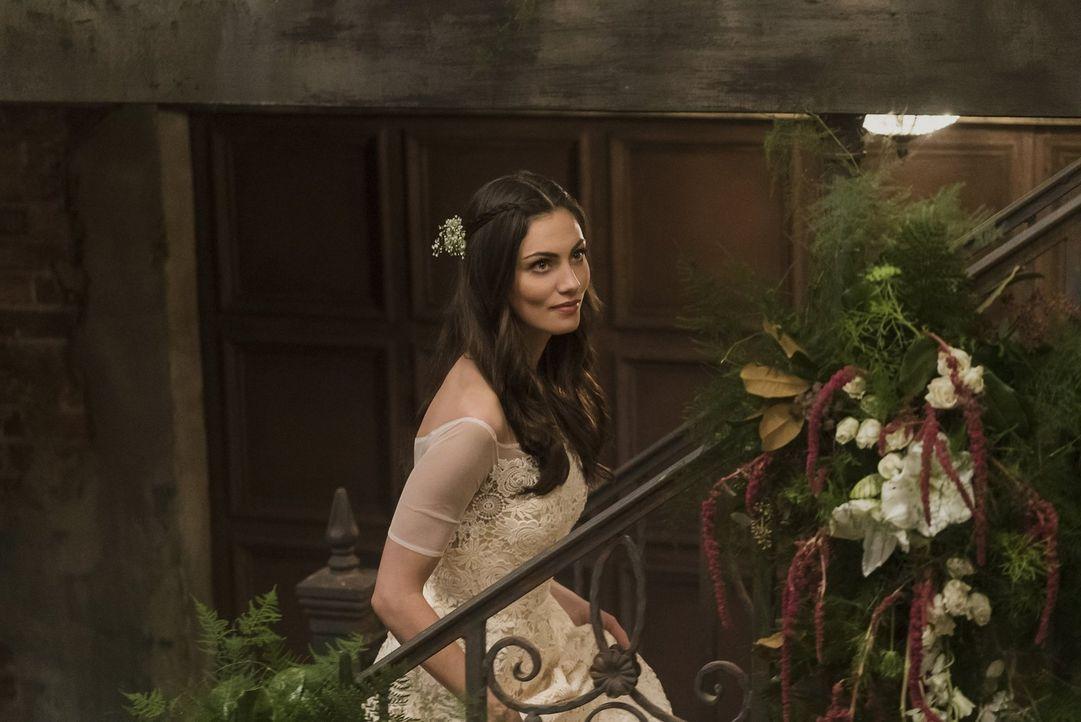 Während ihre Tochter, stärker als jemals zuvor, in Lebensgefahr schwebt, muss Hayley (Phoebe Tonkin) sich auf ihre Verbündeten verlassen, denn ihr s... - Bildquelle: Warner Bros. Entertainment, Inc