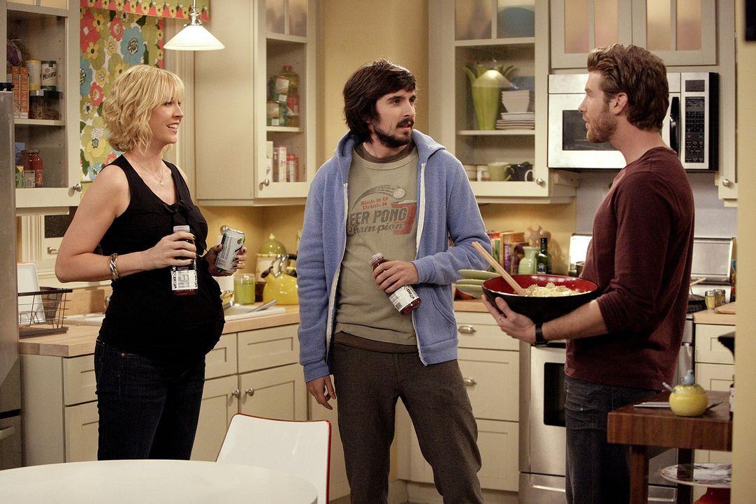 Zack (Jon Foster, r.) erzählt Billie (Jenna Elfman, l.), dass er und Davis (Nicolas Wright, M.) einen Sandwichstand eröffnen wollen ... - Bildquelle: 2009 CBS Broadcasting Inc. All Rights Reserved