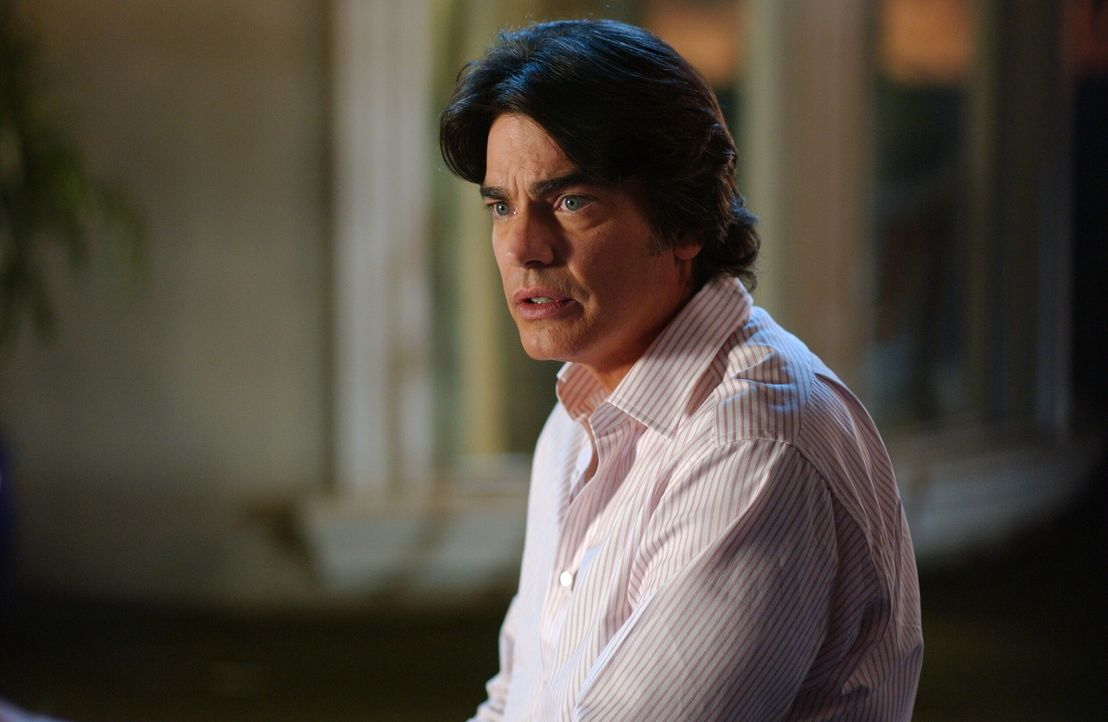 Sandy (Peter Gallagher) vergisst seinen und Kirstens 20. Hochzeitstag und muss sich anstrengen, um dies wieder gutzumachen ... - Bildquelle: Warner Bros. Television