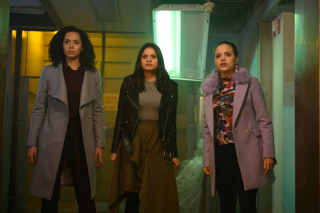 (v.l.n.r.) Macy Vaughn (Madeleine Mantock); Mel Vera (Melonie Diaz); Maggie Vera (Sarah Jeffery) - Bildquelle: Diyah Pera 2018 The CW Network, LLC. All Rights Reserved.