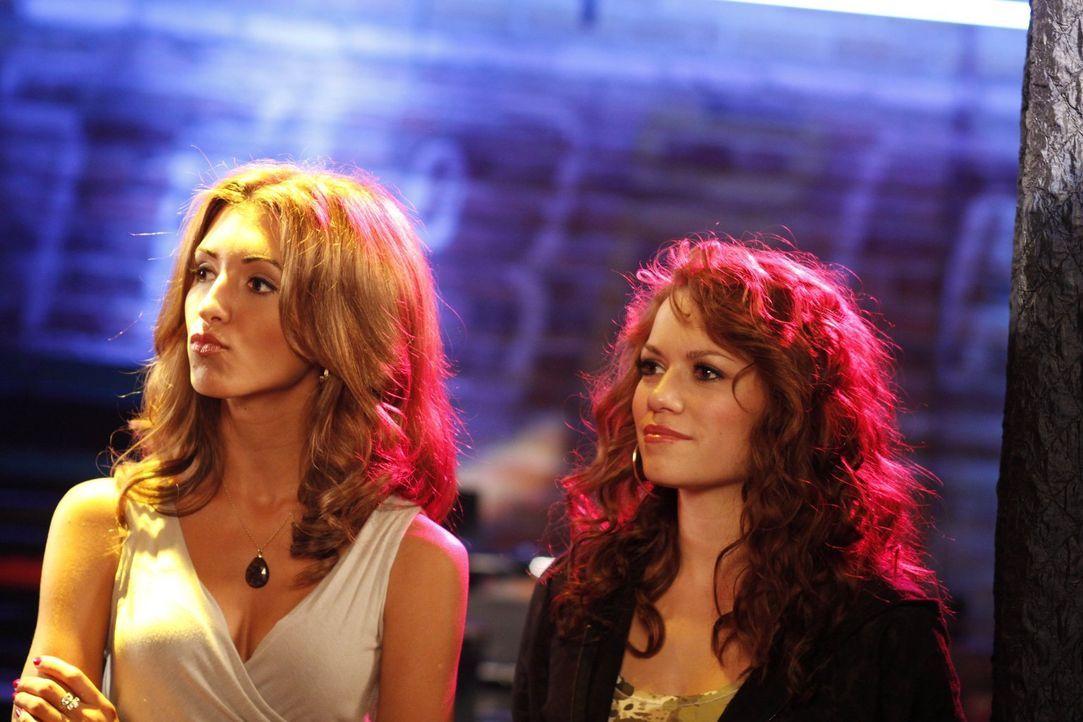 Das Leben hält auch für Miranda (India De Beaufort, l.) und Haley (Bethany Joy Galeotti, r.) einige Überraschungen bereit ... - Bildquelle: Warner Bros. Pictures