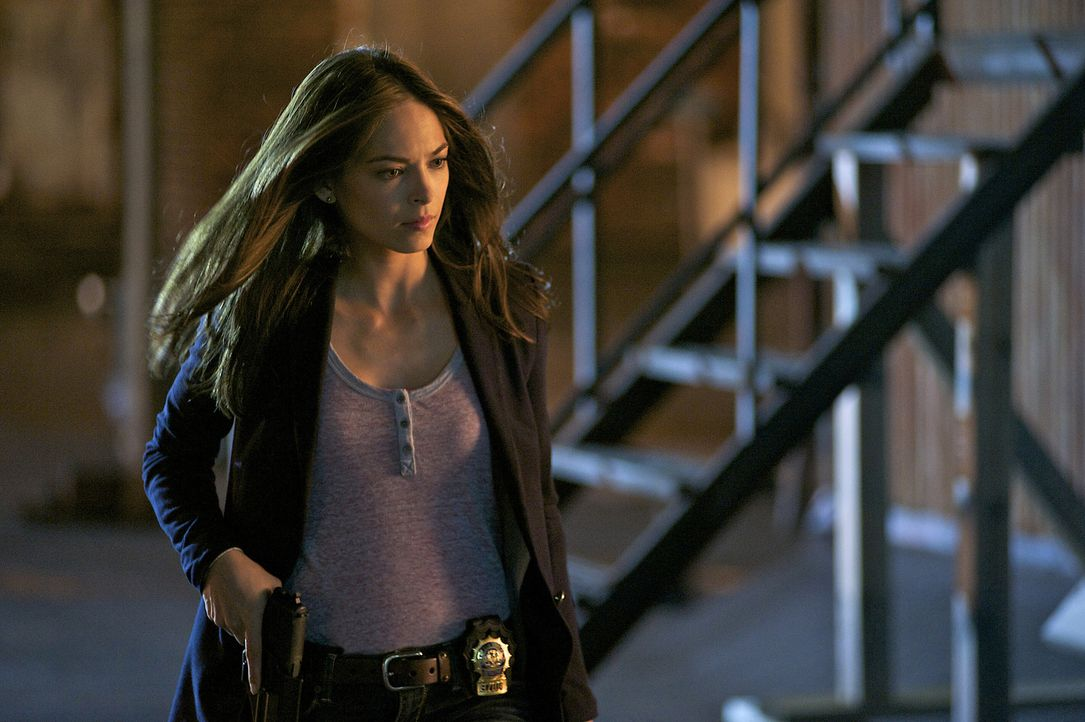 Ein neuer Mordfall beschäftigt Cat (Kristin Kreuk) und ihre Kollegen ... - Bildquelle: 2012 The CW Network, LLC. All rights reserved.