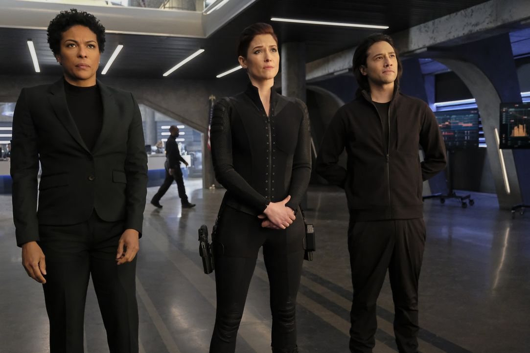 (v.l.n.r.) Colonel Haley (April Parker Jones); Alex (Chyler Leigh); Querl (Jesse Rath) - Bildquelle: Bettina Strauss 2018 The CW Network, LLC. All Rights Reserved.
