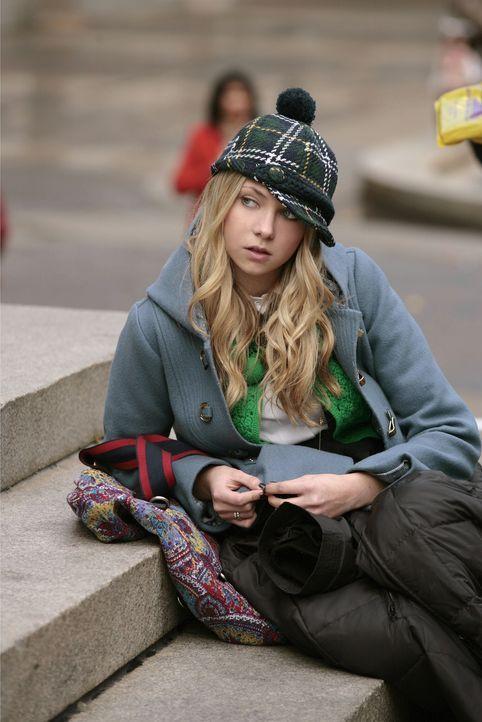 Ein unglaublicher Zufall: Jenny (Taylor Momsen) kann zunächst nicht fassen, was sie sieht ... - Bildquelle: Warner Brothers
