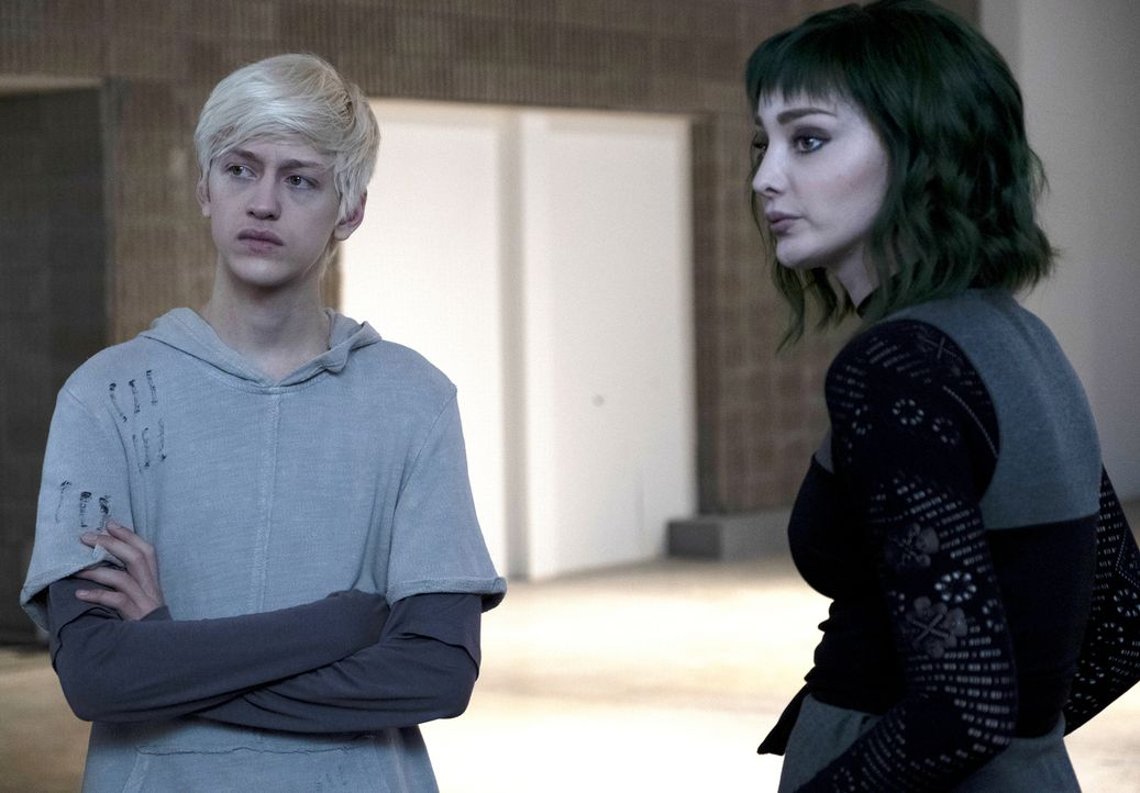 Andy Strucker (Percy Hynes White, l.); Polaris (Emma Dumont, r.) - Bildquelle: Steve Dietl 2019 Fox and its related entities.  All rights reserved.  MARVEL TM &   2017 MARVEL