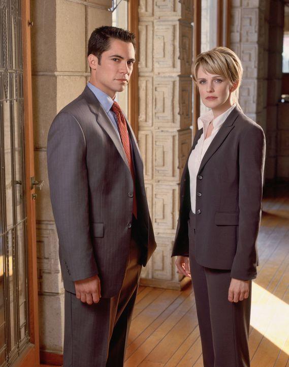 (2. Staffel) - Nicht immer kommt Det. Lilly Rush (Kathryn Morris, r.) bei der Aufklärung allein zu recht. Deshalb wird sie von ihrem Kollegen Detekt... - Bildquelle: Warner Bros. Television