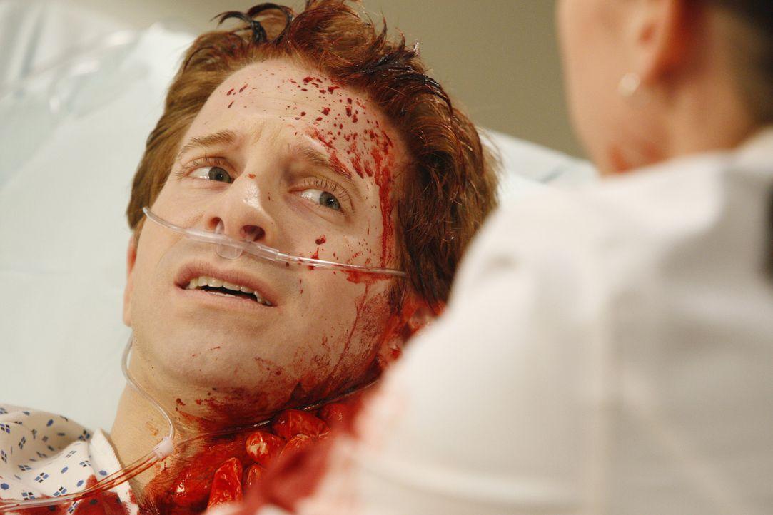 Lexie (Chyler Leigh, r.) hält das Schicksal von Nick (Seth Green, l.) in ihren Händen ... - Bildquelle: Touchstone Television