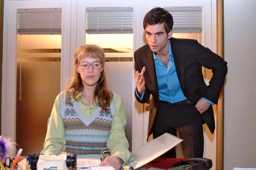 So leicht lässt sich Lisa (Alexandra Neldel, l.) nicht mehr von David (Mathis Künzler, r.) einwickeln. Sie stellt ihm gegenüber klare Forderungen... - Bildquelle: Sat.1