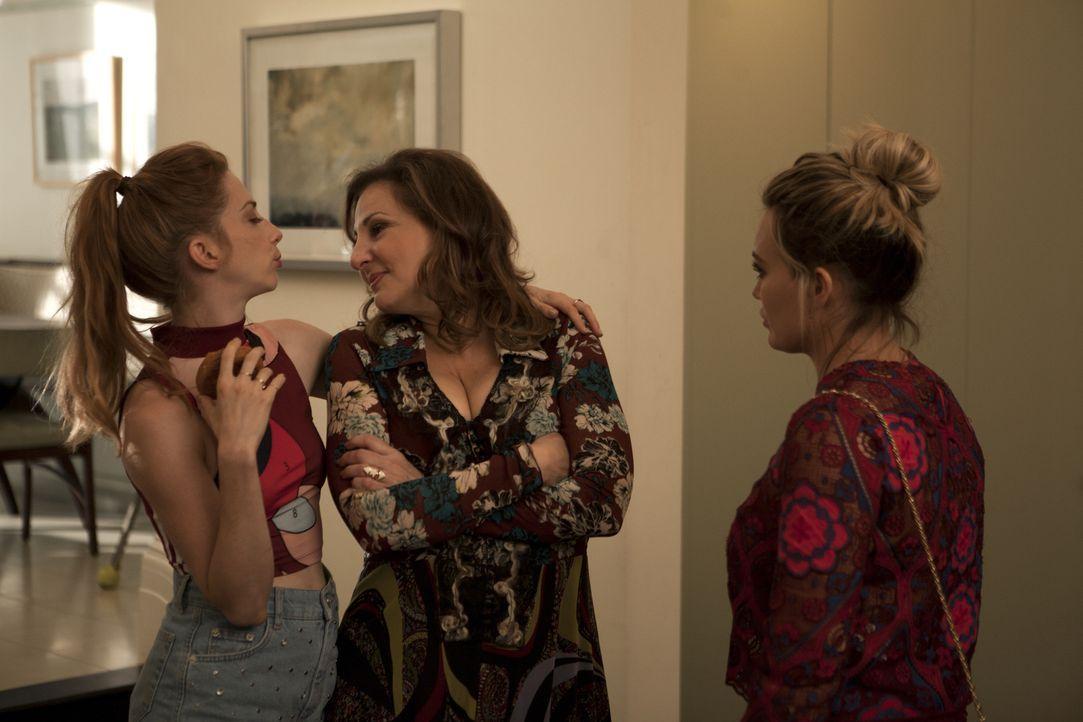 (v.l.n.r.) Lauren (Molly Bernard); Denise (Kathy Najimy); Kelsey (Hilary Duff) - Bildquelle: Hudson Street Productions Inc 2016