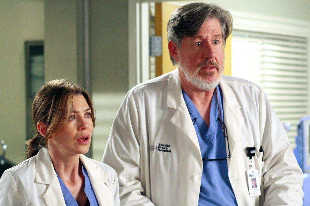 Meredith (Ellen Pompeo, l.) und Norman (Edward Herrmann, r.) geraten in einen Schlamassel ... - Bildquelle: Touchstone Television