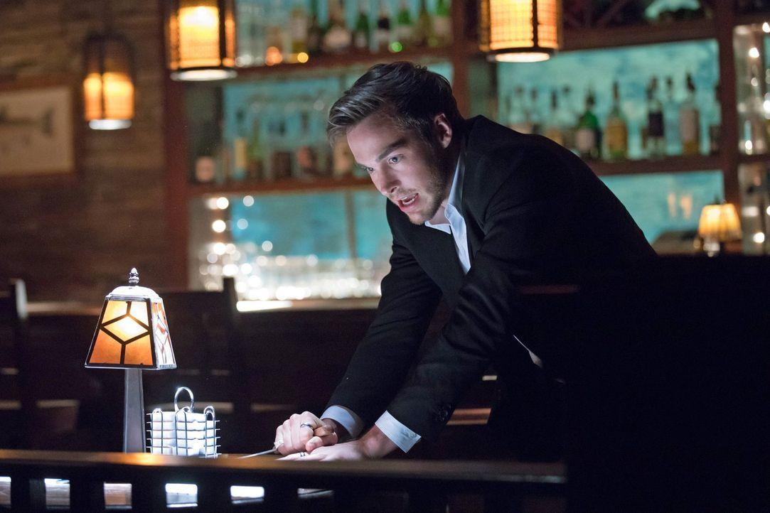 Kai (Chris Wood) macht sich für Damon unverzichtbar, während Bonnie ausgerechnet Cade um Unterstützung bittet und damit nicht nur sich in Gefahr bri... - Bildquelle: Warner Bros. Entertainment, Inc.