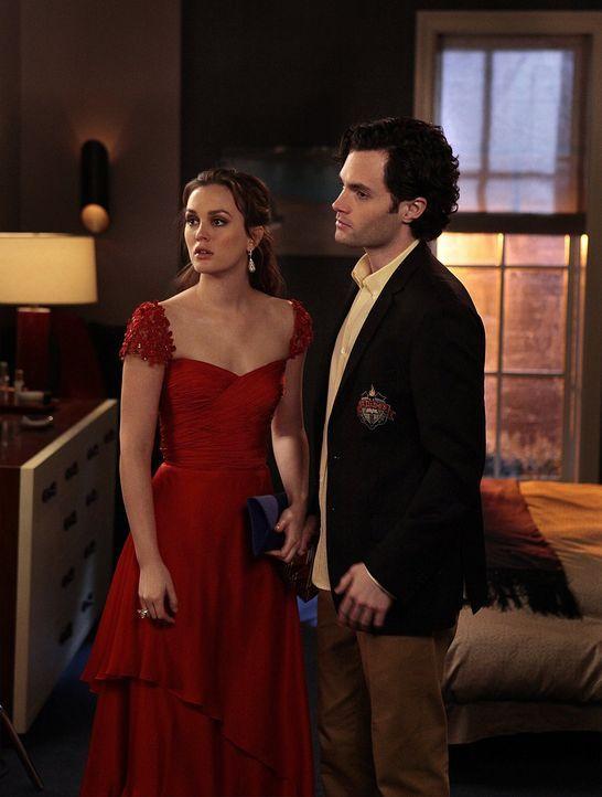 Ein Valentinstag mit Folgen: Blair (Leighton Meester, l.) und Dan (Penn Badgley, r.) ... - Bildquelle: Warner Bros. Television