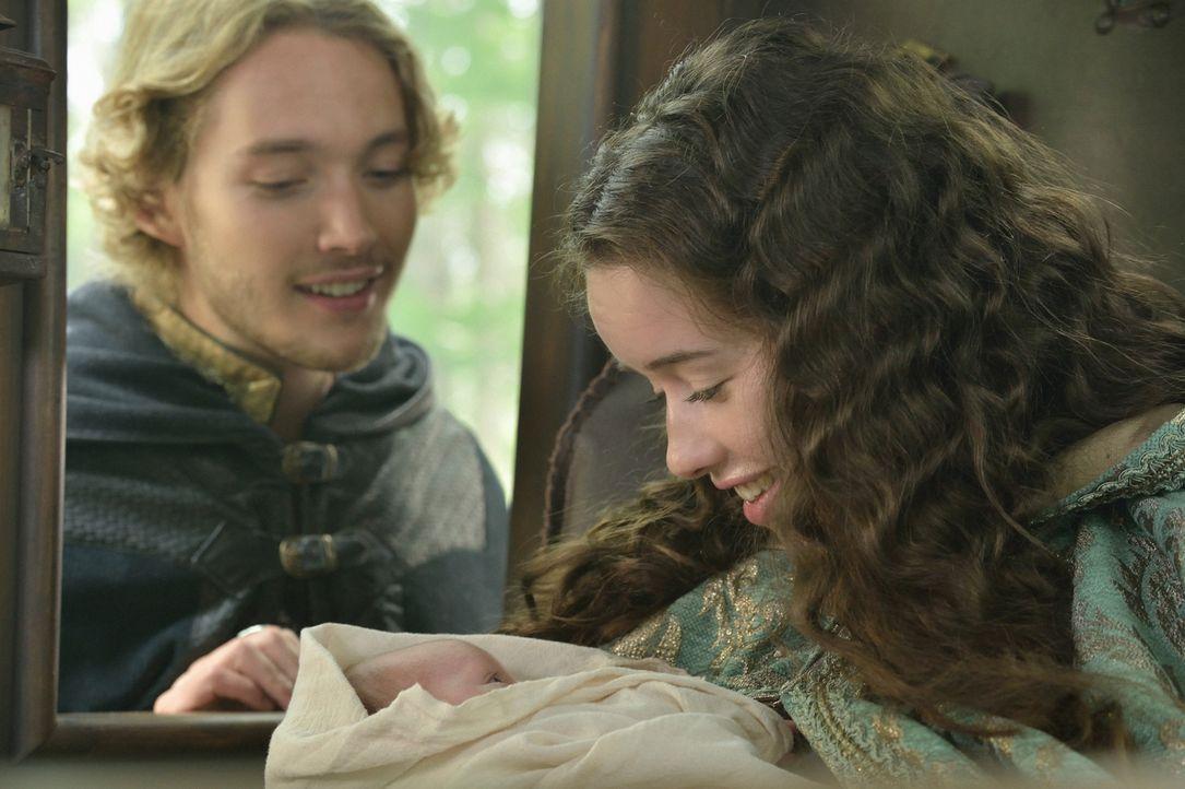 Als Francis (Toby Regbo, l.) erfährt, dass er der Vater von Lolas (Anna Popplewell, r.) Baby ist, lässt er sich von nichts aufhalten, um die beiden... - Bildquelle: Ben Mark Holzberg 2014 The CW Network, LLC. All rights reserved.