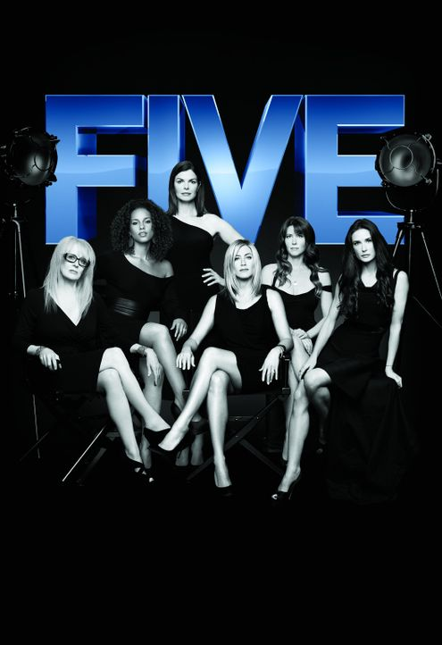 """FIVE"" - Artwork: Hauptdarstellerin Jeanne Tripplehorn (3.v.l.) mit den Regisseurinnen Penelope Spheeris (l.), Alicia Keys (2.v.l.), Jennifer Anisto... - Bildquelle: 2011 Sony Pictures Television Inc. All Rights Reserved."