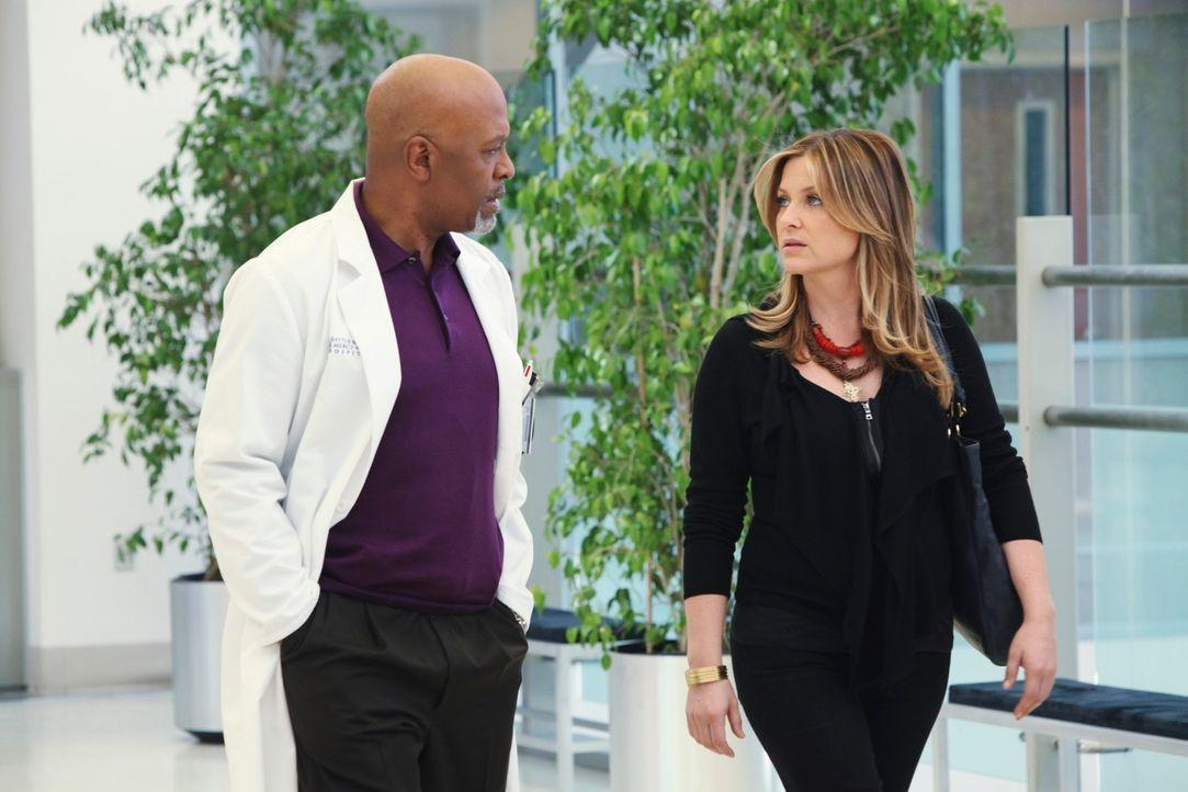 Hat sich ihre Rückkehr nach Seattle auch anders vorgestellt. Denn weder Callie noch der Chief (James Pickens, Jr. l.) heißen sie willkommen: Arizona... - Bildquelle: ABC Studios