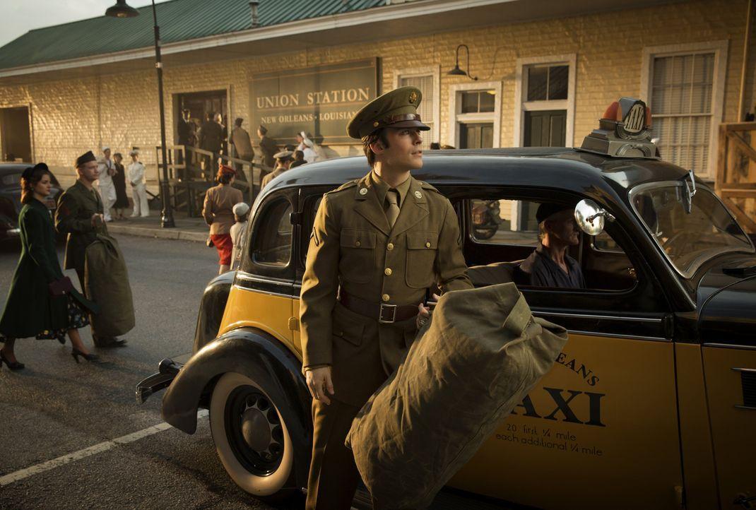 Das Leben birgt immer wieder Momente, in denen wichtige Entscheidungen getroffen werden müssen. Die Entscheidungen, die Damon (Ian Somerhalder, M.)... - Bildquelle: Warner Brothers