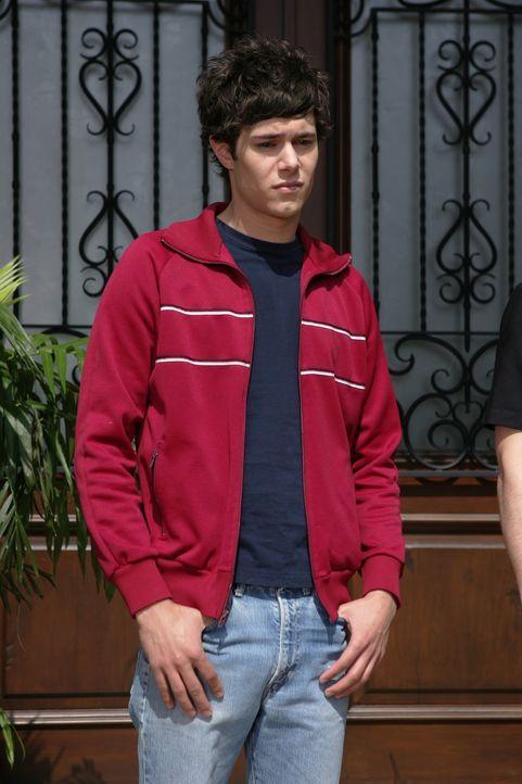 Seth (Adam Brody) kann nicht glauben, was Trey Marissa angetan hat ... - Bildquelle: Warner Bros. Television