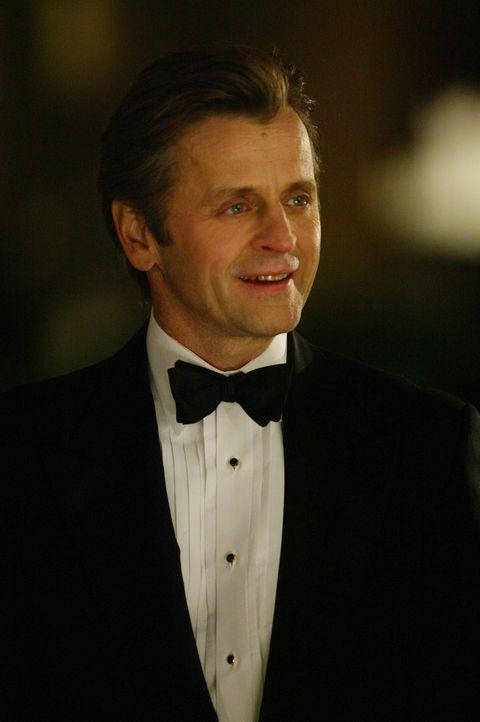 Ein totaler Romantiker: Aleksandr Petroysky (Mikhail Baryshnikov) ... - Bildquelle: Paramount Pictures