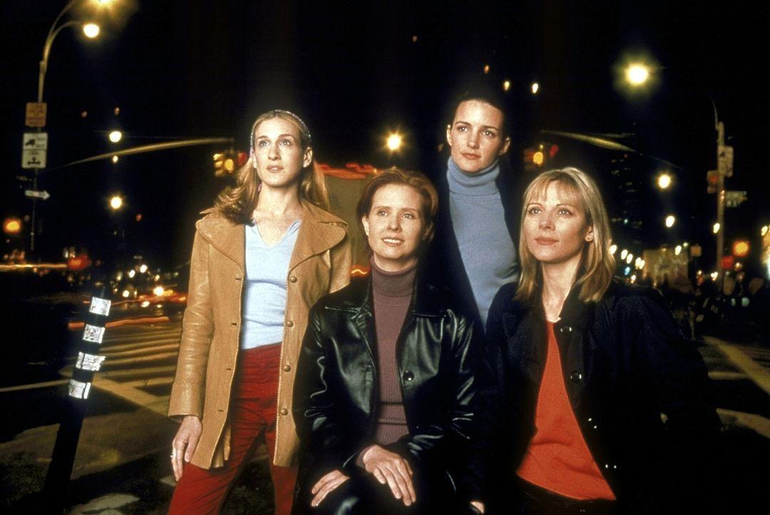 Ledige Frauen scheinen für verheiratete Frauen Lieblingsfeindbilder zu sein - diese Erfahrungen machen (v.l.n.r.) Carrie (Sarah Jessica Parker), Mir... - Bildquelle: Craig Blankenhorn 1998 HBO
